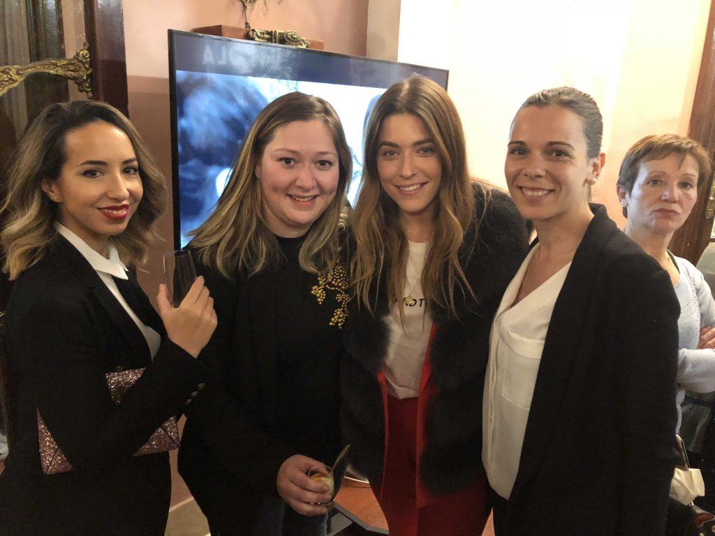 La influencer Natalia Cebrián, Tanit de All Lolvey Party y Claudia de Le Blanc Reve en la inuguración del atelier de Yolan Cris